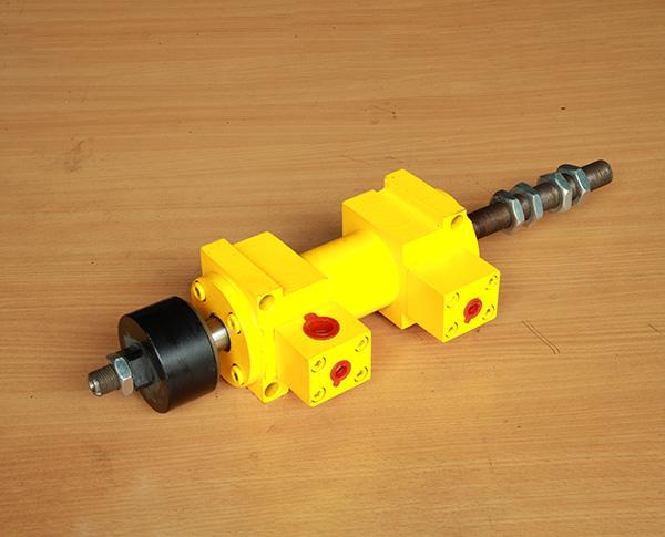抱钳油缸QYC-20